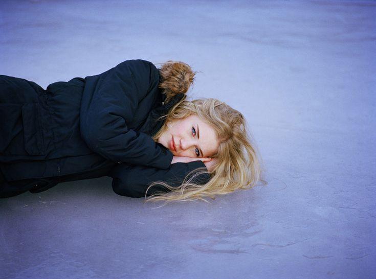 © Andrea Gjestvang, One Day in History, sopravvissuti alla strage di Utøya. Vincitrice del Sony World Photography Awards 2013
