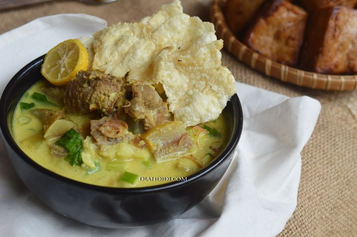 Diah Didi's Kitchen: Soto Kuning Bogor