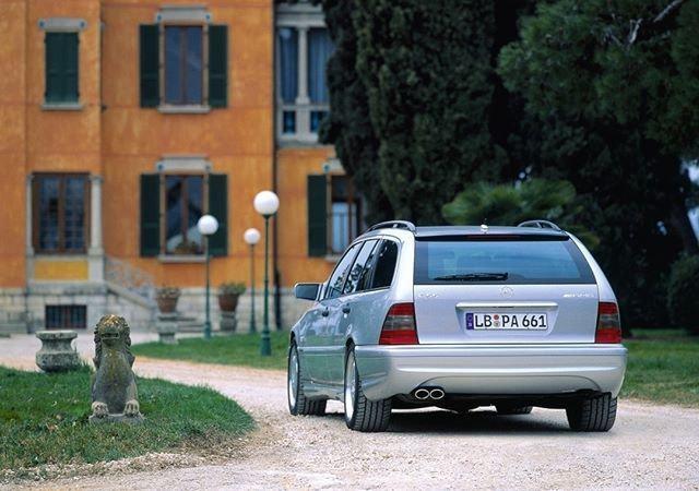The Mercedes-Benz C 55 AMG is a true rarity in the AMG stable and was only produced in limited quantities at the end of the series. It produced 255 kW (347 HP) and was electronically limited to 250 km/h, but some vehicles were raised to 280 km/h.  #ClassicAMG #MercedesAMG #Mercedes #AMG #Performance #Power #Passion #Luxury #Lifestyle #Cars #CarsofInstagram