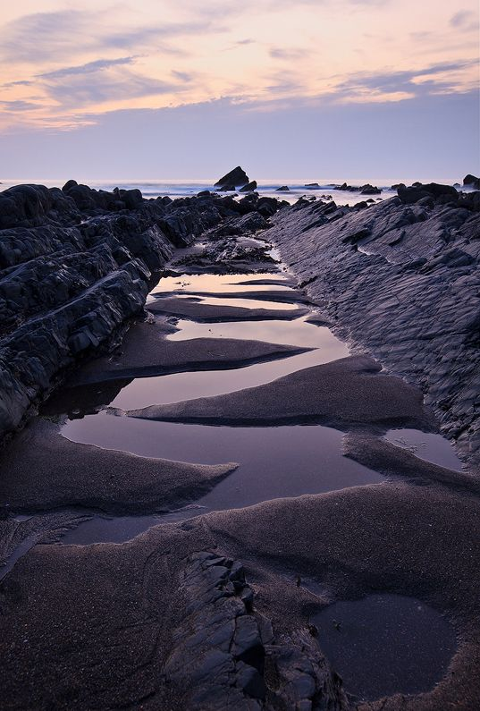 Dragon's Tail, North Devon Coast near Welcombe, England // photo by Stephen Sellman