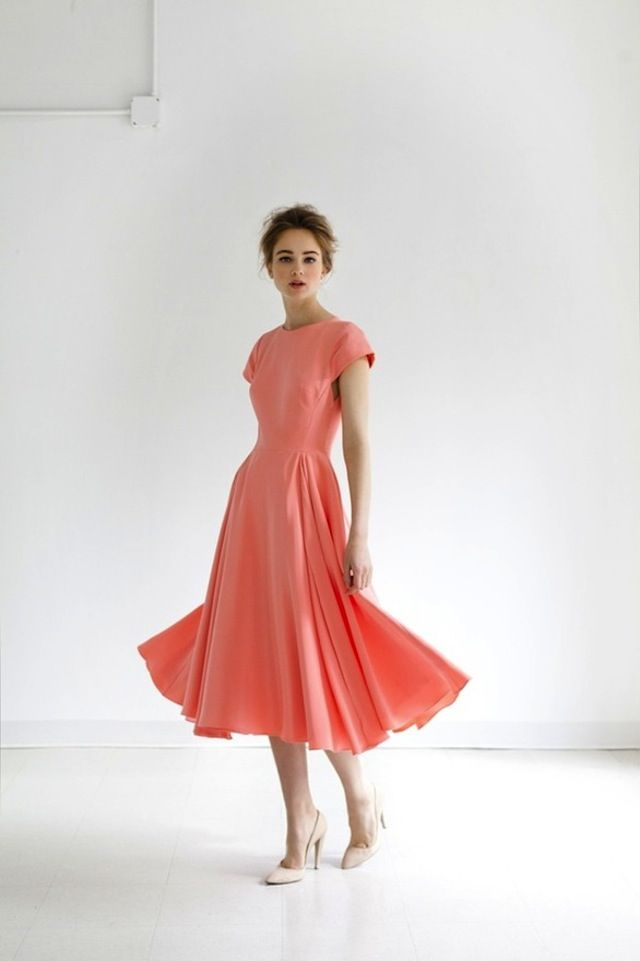 A simple style that is always flattering.  If I had one perfect dress pattern, it would probably be something like this.