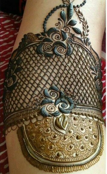 Mehendi Designs - Intricate Mehendi Design   WedMeGood #mehendidesign #mehandi #mehendi #intricate #bridal #henna #tattoo #floral #jaal