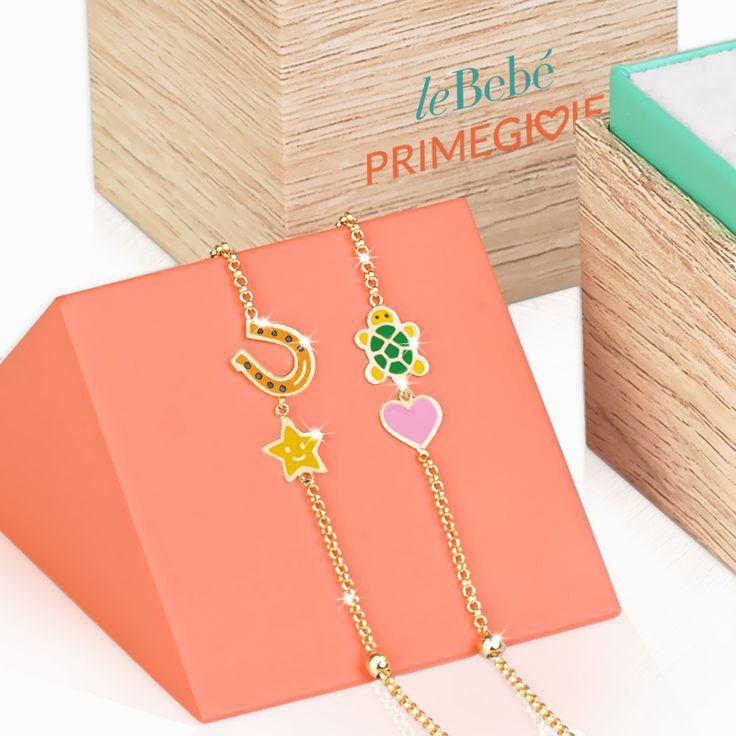 Bracciali in oro e smalto colorato della collezione Fortuna. leBebé Primegioie il gioiello per festeggiare le prime ricorrenze importanti dei bambini. :)  http://www.lebebe.eu/it/collezioni/Fortuna #fieradiesseremamma #lebebé #primegioie #gioielli