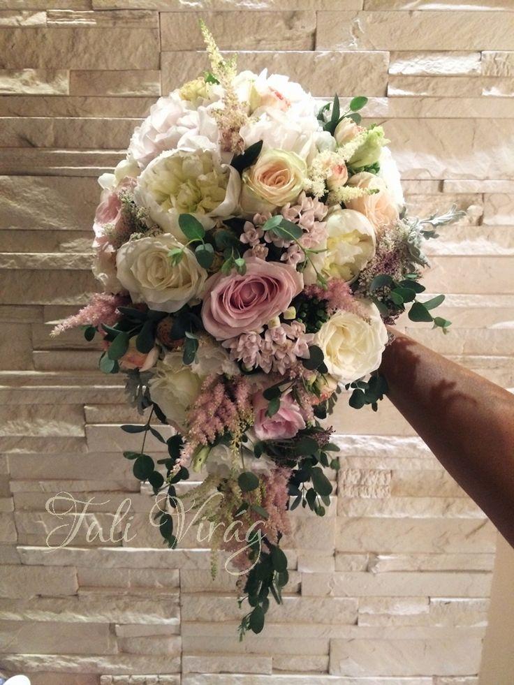 #vintageweddings #avalancheroses #roseweddings #rosebouquet