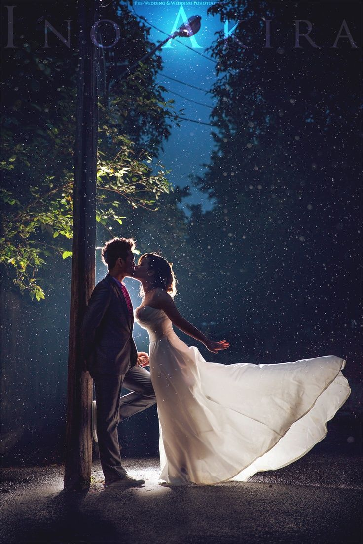 pre wedding photography singapore deal%0A elegant shot at night  brilliant use of light
