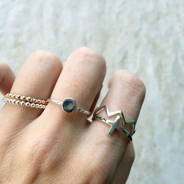 Lady rose gold stack ring | Dean & Nadine