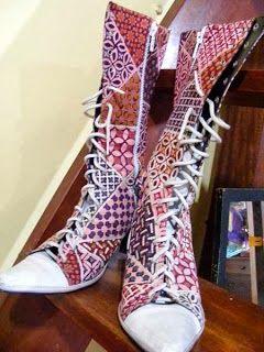 sepatu batik...