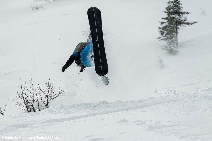 Лети ка орёл! Жаль как... жаль...  Фото: Закиров Алексей #mamayfirstsnow2017 #baikal360 #baikal #snowboarding #freeride #russiafreeridecup #siberia #lakebaikal #backcountry #heliski #snowboard #fwt #fwq #mamay #намамаеснеганет #фрирайд #сноуборд #байкал #кубокроссии #горы #зима