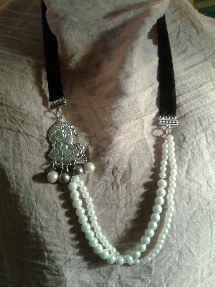 Velvet and pearls by Steffy