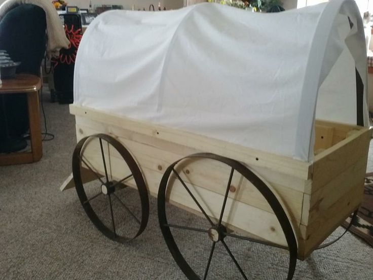 Another angle of the mini potbelly pig's new chuck wagon bed.