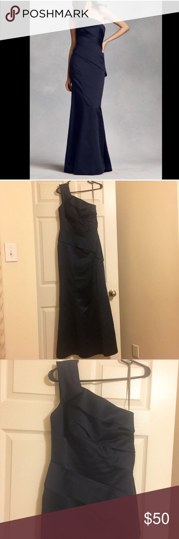"Vera Vang Navy Satin Gown Dress Vera Vang Navy Satin Gown Dress Size 8 - altered the length only to fit hight 5'6"" Gorgeous perfect for wedding prom or formal black tie event White by Vera Wang Dresses Maxi"