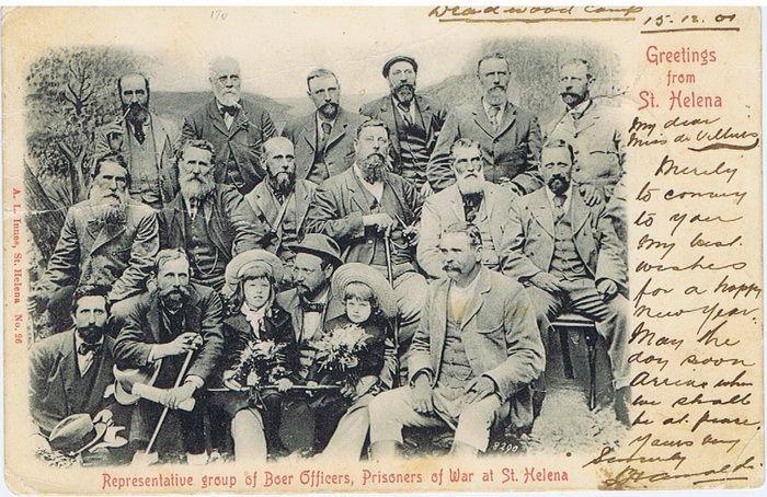 1902 Boere Offisiere in Deadwood Kamp, St.Helena. (krediet aan www.Boerevryheid.co.za)