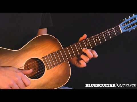 ▶ Simple Acoustic Blues Guitar Lick in E - Train Whistle Lick - YouTube