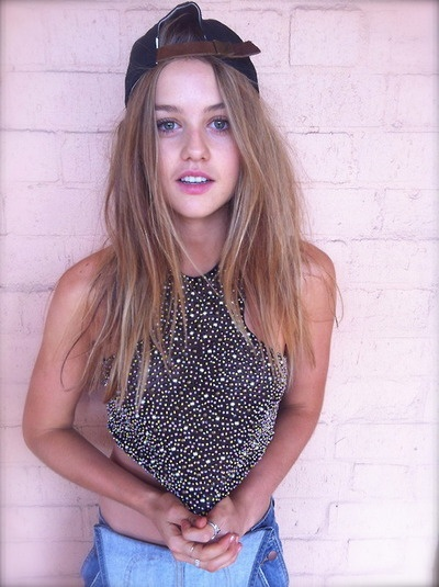 kentucky-fried-cock:    purifey:    s-ocial:    who is she? she's gorg    vicki on puberty blues  she's so pretty fml    isabelle cornish is a goddess