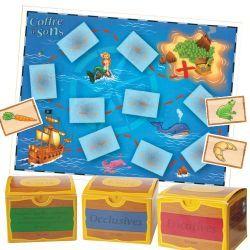 #ortho Chaque coffre à sons contient plus de 200 cartes-images. Le kit de jeu propose un très grand parcours (56,8 x 43 cm) et des plateaux de jeu « coffres » (à découper) permettant le tri par syllabes ou phonèmes (le tout plastifié).