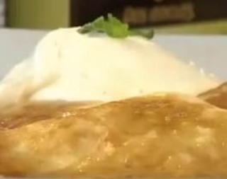 Panqueques rellenos de manzana  http://www.cocinerosargentinos.com/?menu=recetas=16=659