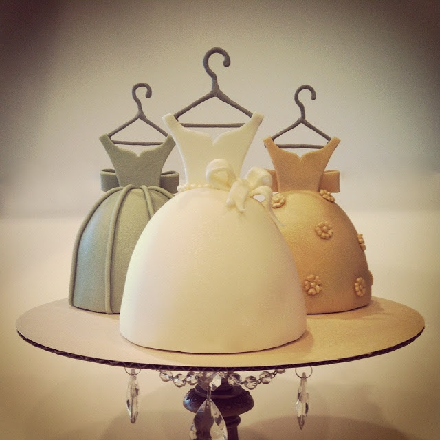 dress cakes I want one for my birthday!
