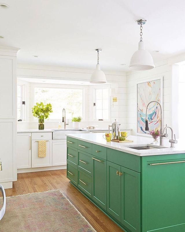 Small Green Kitchen Design: We're A Little Green With Envy That This Isn't Our Kitchen