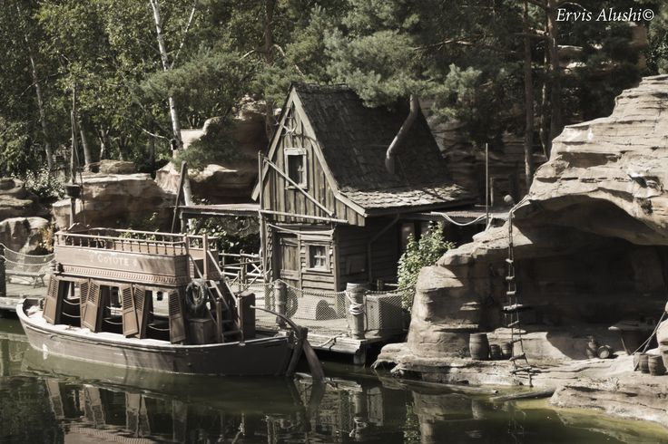 Creepy Cabin and Boat in the deadly ghost lake