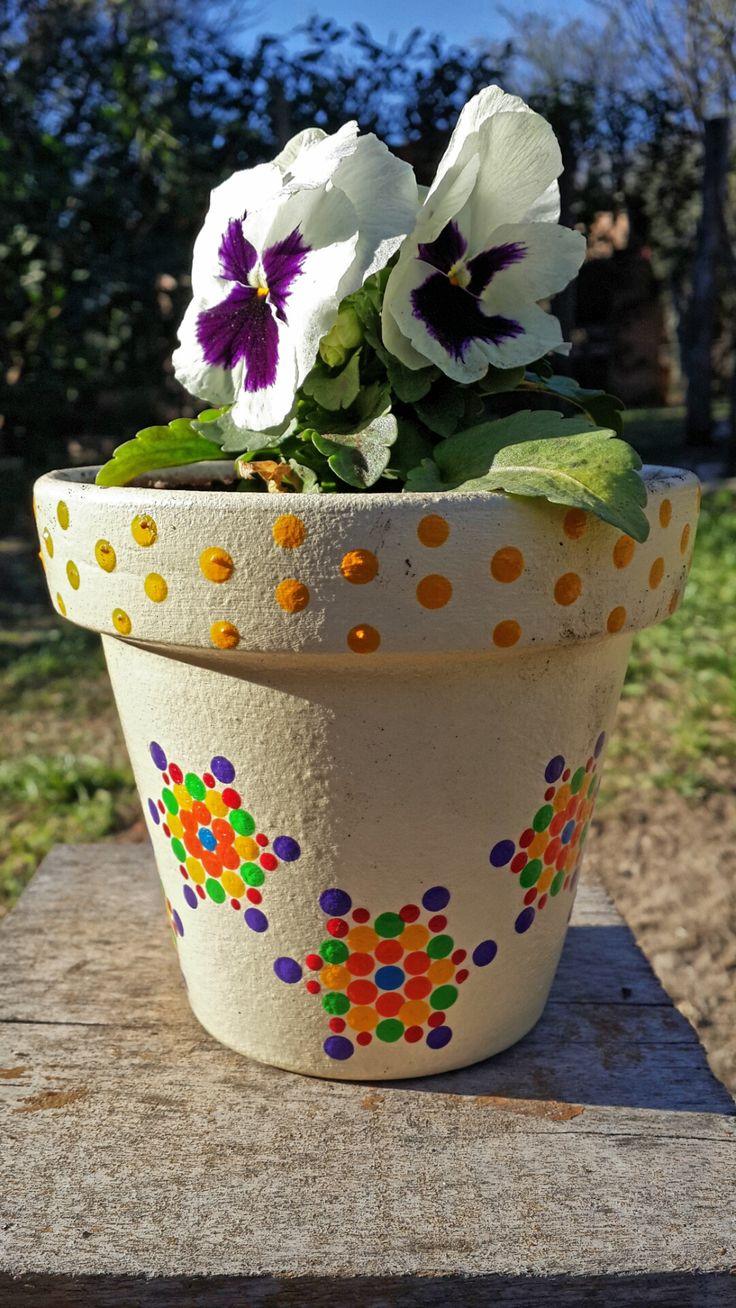 Jardín. Garden. Flores. Pensamiento. Estrellas. Nº 12 - Macetas pintadas a mano. Facebook: A'cha Pots. achapots@hotmail.com