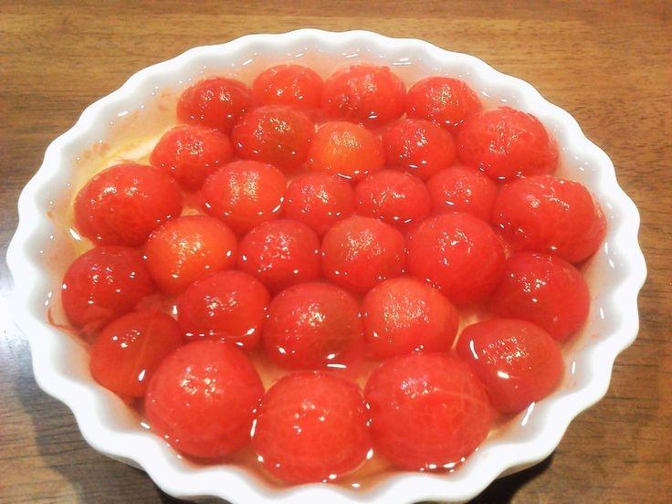 ダイエット食にもおすすめの「酢トマト」が話題になっています。簡単に作れて幅広い使い方ができるので、作り置きしておくと便利ですよ!身体が疲れがちな今の季節にもぜひ取り入れて欲しい一品です。
