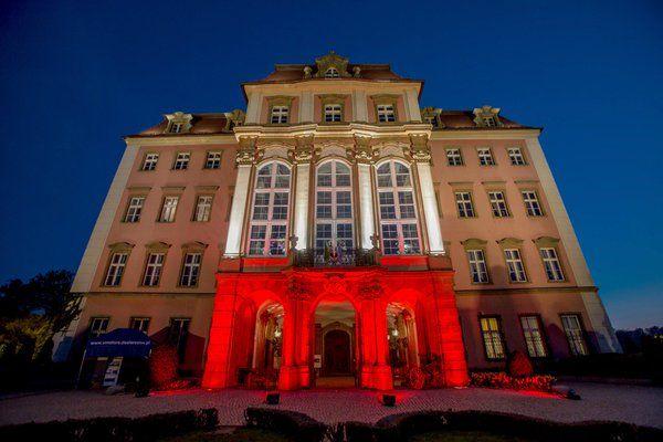 2nd May, Polish National Flag Day. @Zamek_Ksiaz in colours of white and red! #poland Zamek Książ (@Zamek_Ksiaz)   Twitter