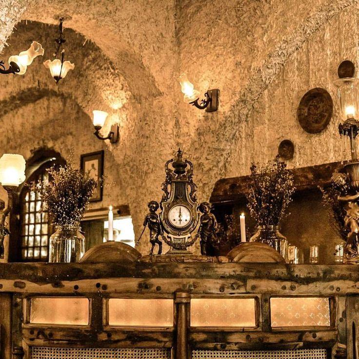 #bali #restaurant #bar #interior #unique #antique #decor #decoration #details #lunch #dinner #lasiciliabali