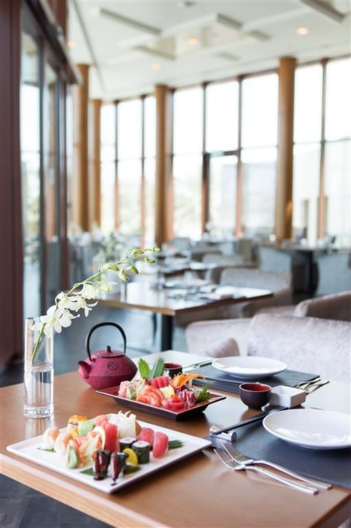 The White Orchid offers delightful fusion cuisine! Try it out next time you stay at The Residence at our #JApalmtreecourt Find out more: qoo.ly/3jdty