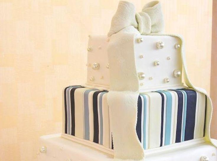 12 Inspirasi Kue Pengantin yang Mencuri Perhatian