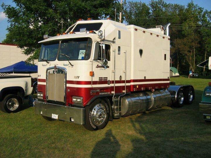 Large Sleeper Diesel Cars Kw K100 Aerodyne Cabover 144