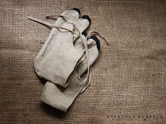 ON SALE. Winter promo. Tabi Tabi socks. linen. by AffairesNomades