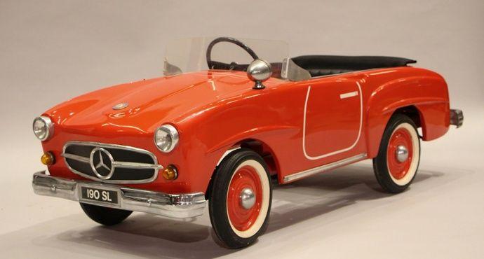 Von diesen klassischen Tretautos träumen nicht nur Kinder... | Classic Driver Magazine