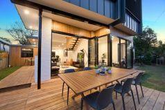 Wraparound alfresco dining deck, Large sitting room & living opens to deck & garden