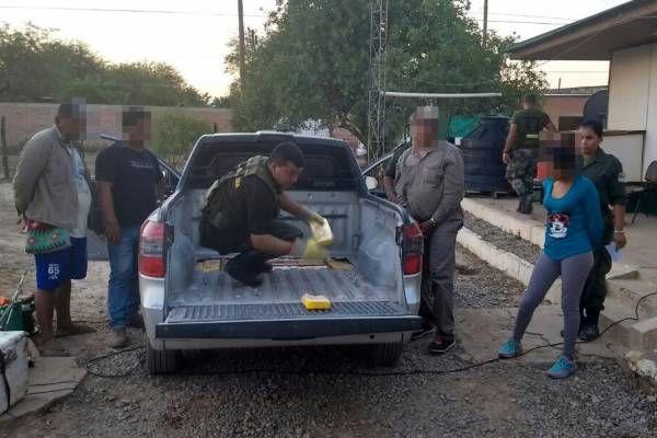 Las fuerzas federales incautaron 123 kilos de cocaína, 27 de marihuana y detuvieron a cinco personas