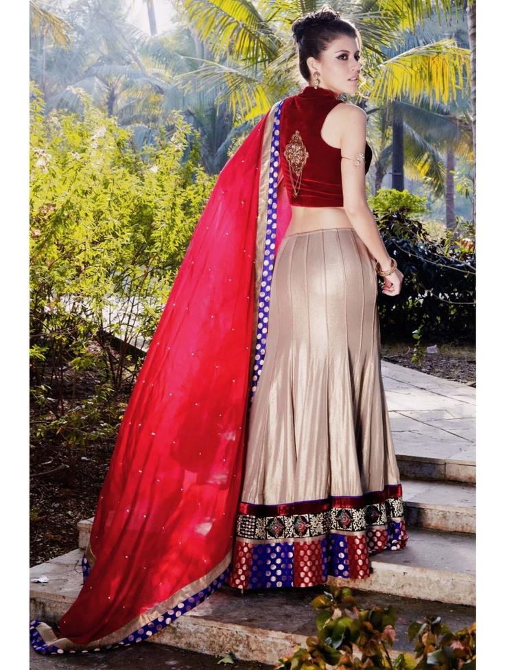 Attractive Look Lehenga Choli Item code : GKDZ746  http://www.bharatplaza.com/womens-wear/best-of-our-collections/attractive-look-lehenga-choli-gkdz746.html https://www.facebook.com/bharatplazaportal https://twitter.com/bharat_plaza