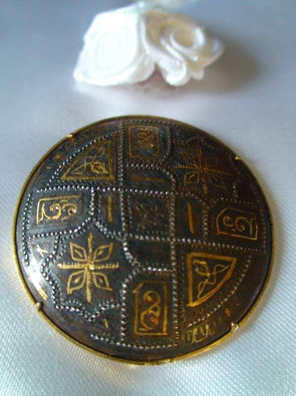 Brosa veche din aur negru de Toledo de la sf. sec XIX.::vintage.ro