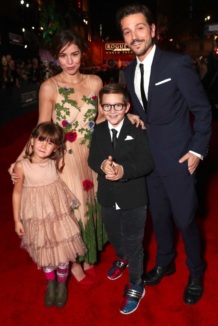 Diego Luna Has the Support of His Ex Wife and Kids at the Rogue One Premiere