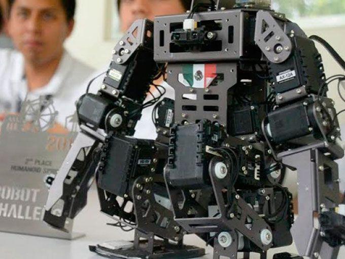 Jóvenes, mexicanos y orgullosamente acaban de ganar el #Robotchallenge 2016, realizado en Austria, Viena. La competición en la que los chicos del Tecnológico Nacional de México, campus Poza Rica, superaron a 2 mil competidores de 56 países.En entrevista con Animal Político, los jóvenes de entre 21 y 23 años pertenecen a un club de mini robótica y es la primera vez que salen del país para representarlo con orgullo.