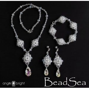 Art déco set - necklace, earrings, bracelet -  Swarovski Crystal and pearls