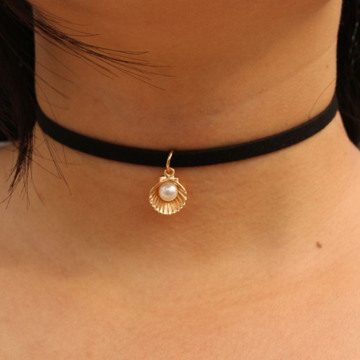 N964 Tattoo Chokers Necklaces For Women Simulated Pearls Shell Black Velvet Suede Colar Fashion Jewelry Gothic 80's 90's Bijoux