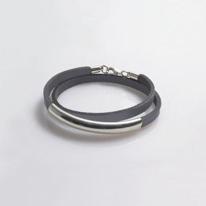 Leather wrap bracelet with silver-plated tube - Gray