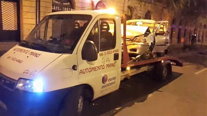 """Rólunk mondták: """"Éjjel is kijöttek két autóval segíteni a balesethez, ráadásul nagyon gyorsan odaértek."""" http://automentomano.hu/"""