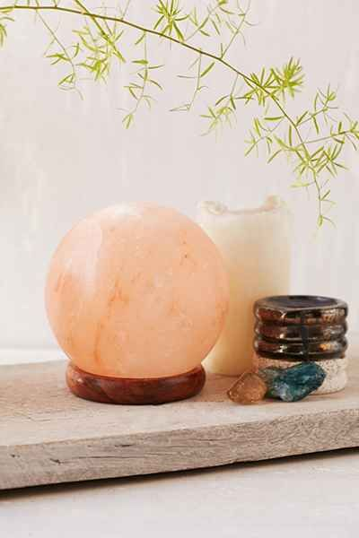 Pyramid Salt Lamp Urban Outfitters : Best 25+ Rock lamp ideas on Pinterest Salt rock, Himalayan rock salt lamp and Himalayan salt lamp