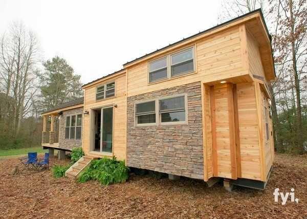 Avec l'augmentation du coût de la vie, du prix de l'immobilier, mais aussi du chauffage, une nouvelle mode a fait son apparition: les maisons miniatures.