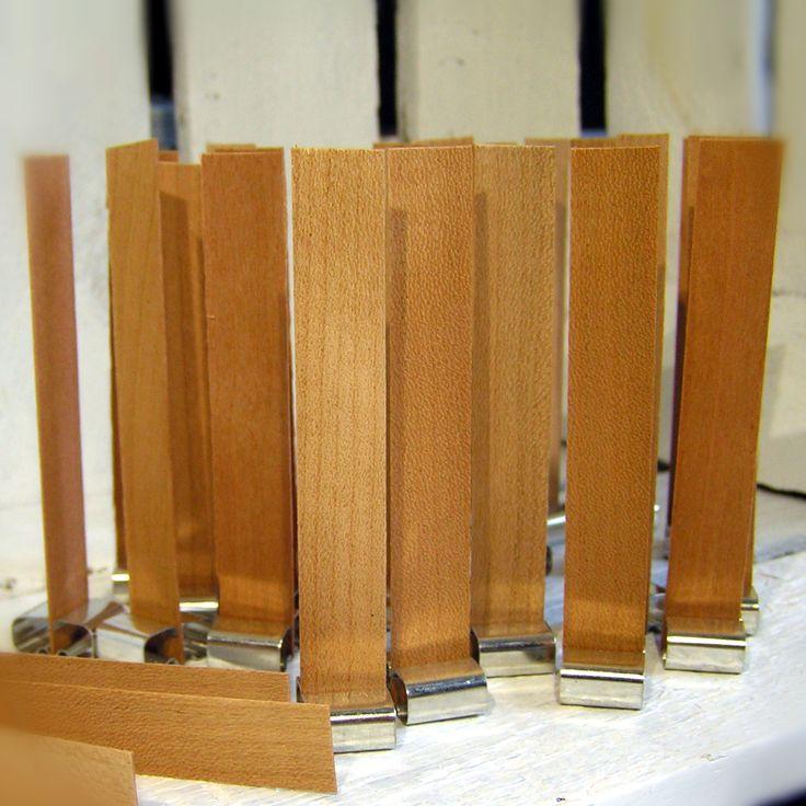 zmiany... zmiany... zmiany... wprowadzamy zmiany od teraz we wszystkich naszych świecach znajdziecie ekologiczne drewniane knoty :) Niewielka ilość świec z knotem bawełnianym będzie dostępna w sklepie do wyczerpania zapasów.