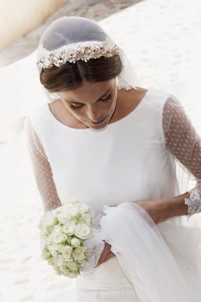 Las maravillosas novias de Isabel Núñez Idea para el cuello del vestido