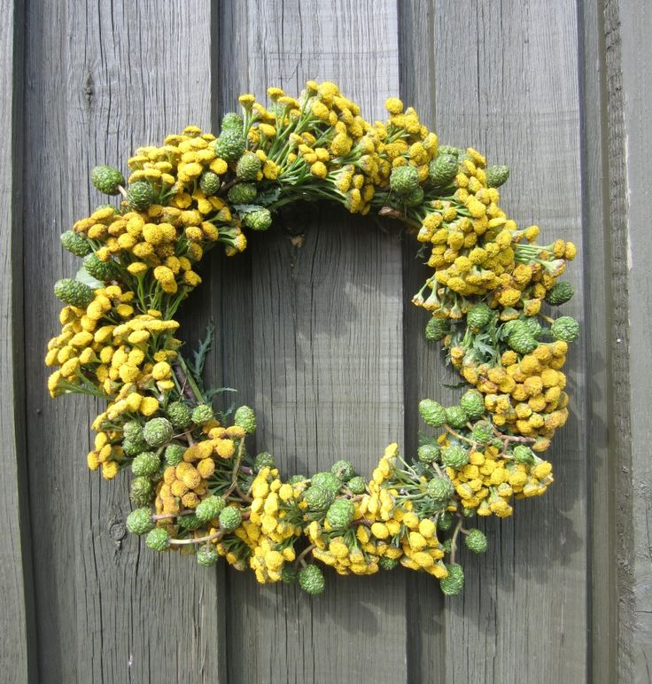 Efterårskrans bundet af rejnfan og ellekogler - Følg trin-for-trin guide. Dørkrans, blomsterkrans. --- Autumn wreath - DIY door wreath - follow step-by-step guide.