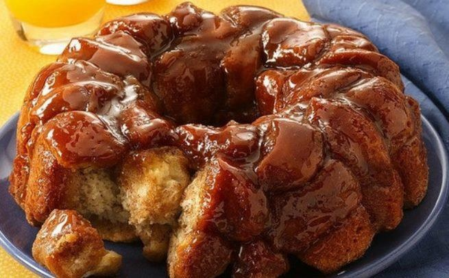 Gooey Cinnamon Pull Apart Bread 3 cans of big refrigerated biscuits ½ ...