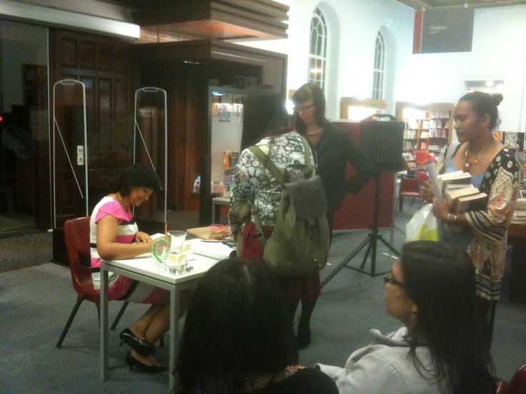 """An Evening With Nalini Singh"" book signing event at Remuera Library, 5 Nov 14"