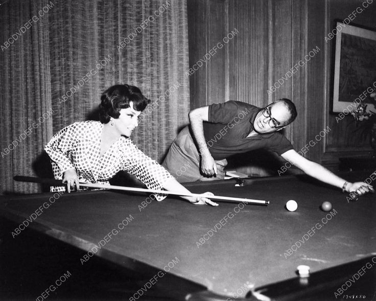 Seinfeld billiards room decor